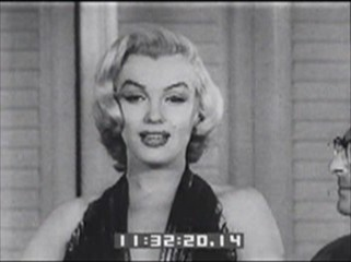 Thumbnail of Marilyn Gets Photoplay Plaque
